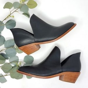 FORTRESS OF INCA Black Leather Cutout Booties 39
